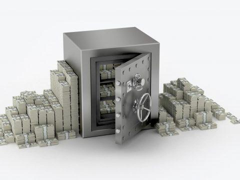 Сейф с деньгами