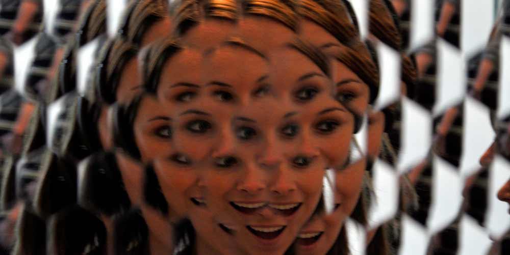 Шестиугольное зеркало