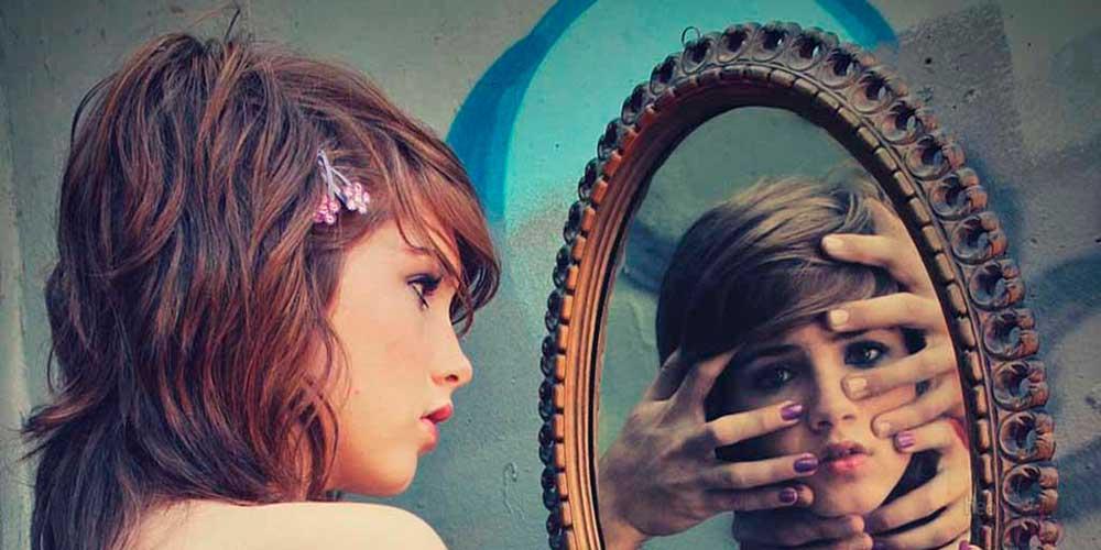 Почему нельзя плакать перед зеркалом
