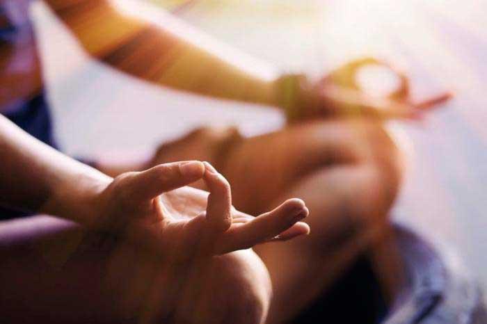 Освободитесь от проигрывания негативного опыта в мыслях